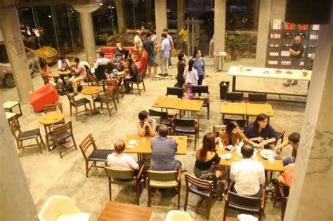 Coffee and tea $$$$$ $$ grubhub generally charges restaurants a commission of 10% to go toward the cost of providing delivery services. Tom n Tom's Coffee, Bacolod - Menu, Prices & Restaurant Reviews - Tripadvisor