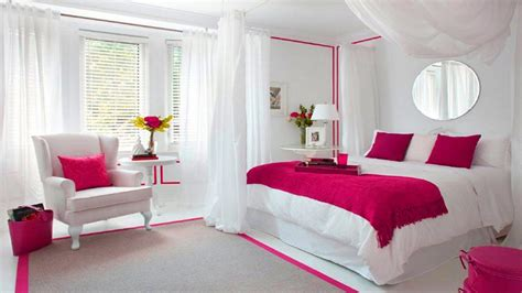 Romantic Bedrooms Design For Couples