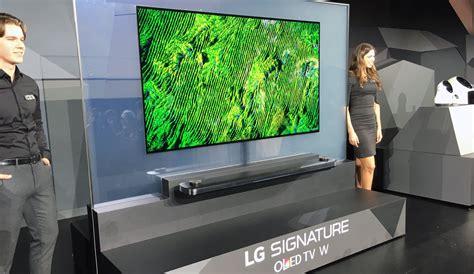 ces  lg presenta il tv che  appiccica alla parete