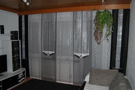 Wohnzimmer Gardinen Mit Balkontür by Wohnzimmer Schiebevorhang In Wei 223 Silber Und Grau Mit