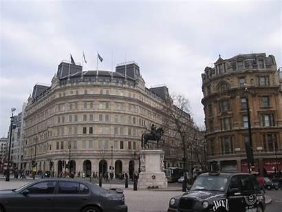 Trafalgar Square London Statue Trotter Globe