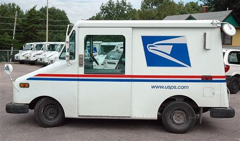 After 30 Years, The Familiar Mail Truck Is Ready To Retire