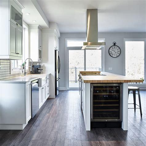 cuisine avec cellier cuisines beauregard cuisine réalisation 362 armoires