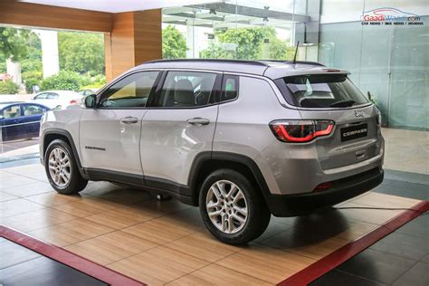 Jeep Compass Suv Price Specs Features Interior Mileage