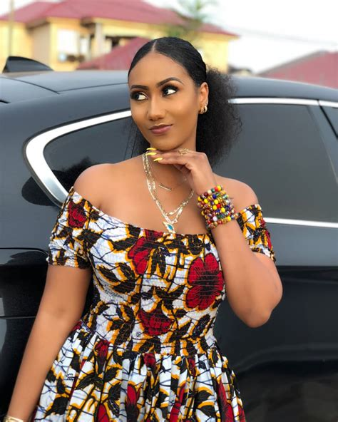 Check out Hajia4Real's gorgeous looks in African print ...