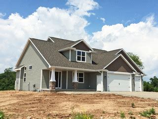 craftsman style   story  construction home
