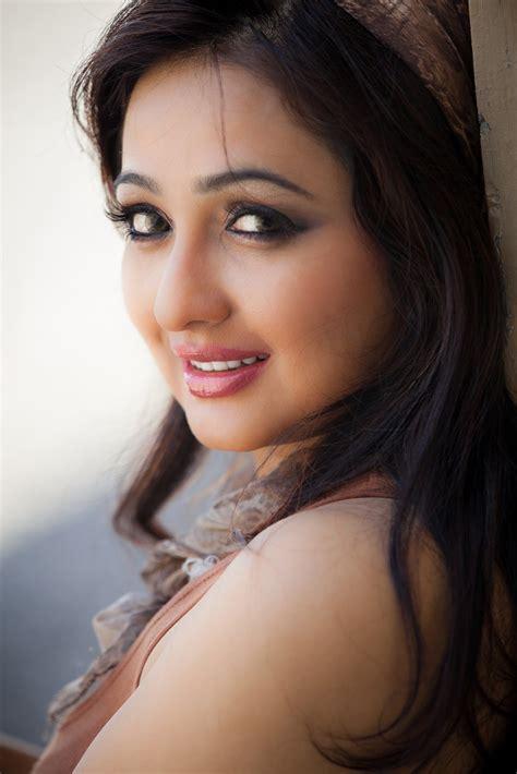 Www Wanita Hamil Tua Tamil New Actress Aavaana Latest Spicy Pink Dress Images