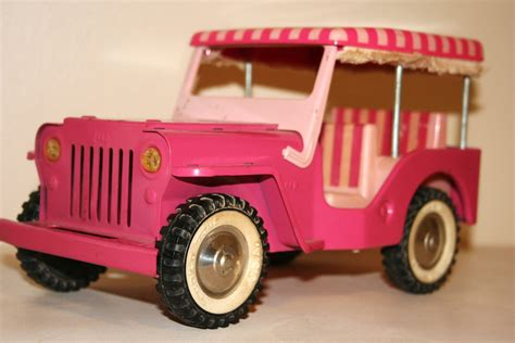 pink toy jeep vintage 1960s tonka toys elvis pink surrey jeep