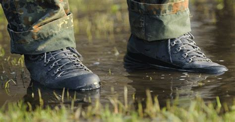 5 Best Waterproof Work Boots For Wet Conditions (reviews