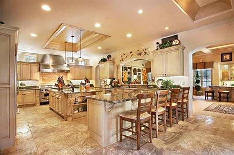 luxury kitchens with islands and pendant lighting