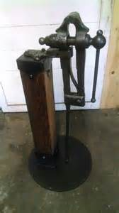 Blacksmith Post Leg Vise Stand