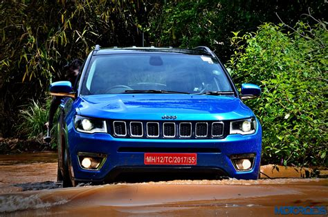 jeep compass sunroof jeep compass with sunroof spotted testing new variant