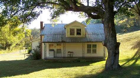 Panoramio  Photo Of Oldfashioned American Country Home