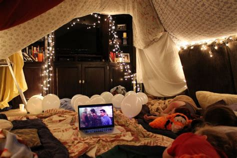 Ultimate Living Room Fort by 1000 Ideas About Fort On House