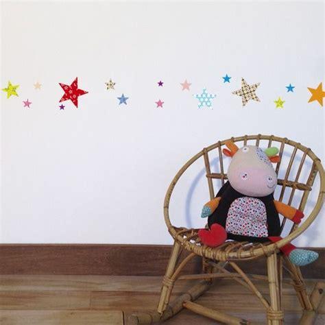 décoration murale chambre bébé fille frise murale chambre bebe fille chambre idées de