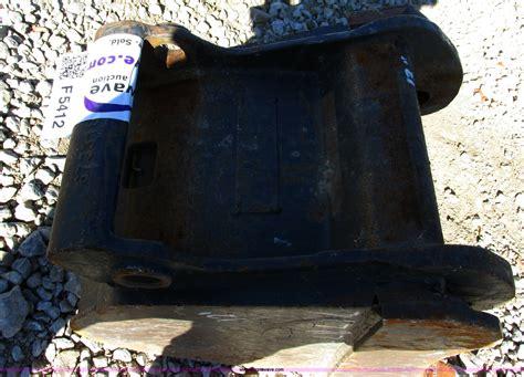 bobcat   tooth mini excavator bucket  blue springs mo item  sold purple wave