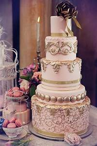 32 Wedding Cakes With Classical Details