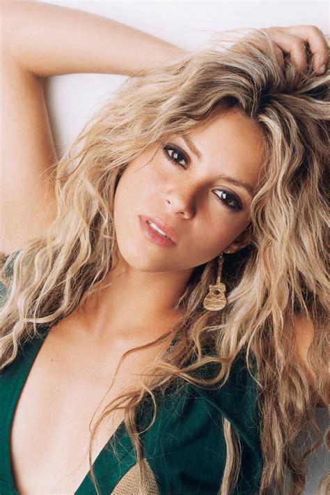 Shakira Hot Pics In Bikini  Hot Celebrity Photos Pictures
