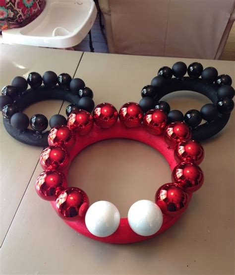 minnie mickey mouse christmas wreaths crafty morning
