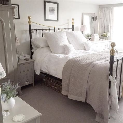 The 25+ Best Shabby Chic Bedrooms Ideas On Pinterest
