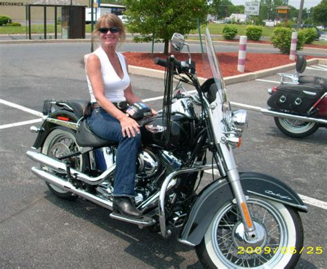 Women On Motorcycles Picture Of A 2009 Harley-davidson