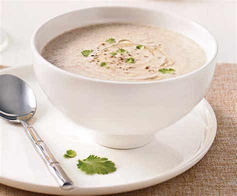 recette de cuisine avec blender de délicieuses soupes avec blender chauffant