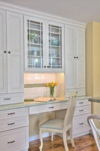 Kitchen Desk With Hutch by Best 25 Desk Hutch Ideas On White Desk Hutch