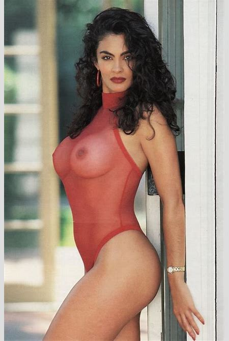 Rebecca Ferratti - Free pics, videos & biography