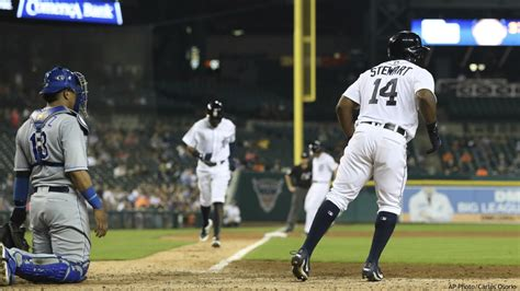 Stewart has 2 homers, 6 RBIs; Tigers beat Royals