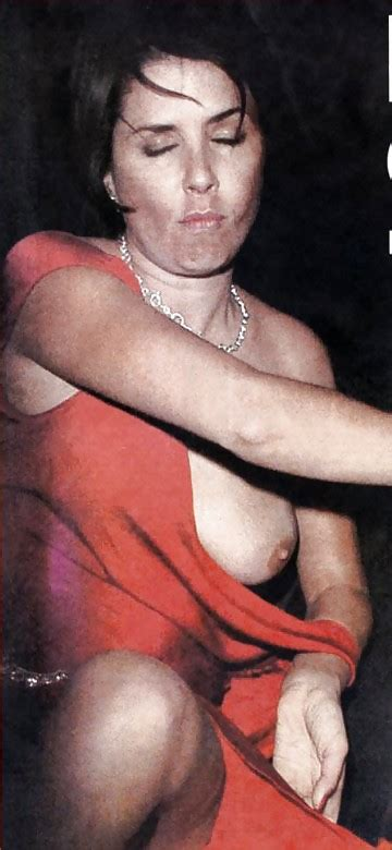 Sadie Frost Nude 12 Pics