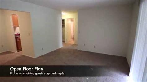bedroom  bath  square feet  lindsay lane