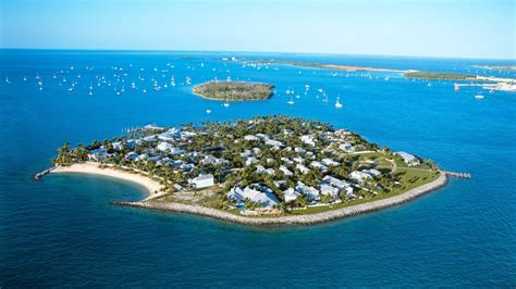 Sunset Key Guest Cottages In Key West Unites With Troop