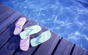 Flip Flops Poolside Wallpaper