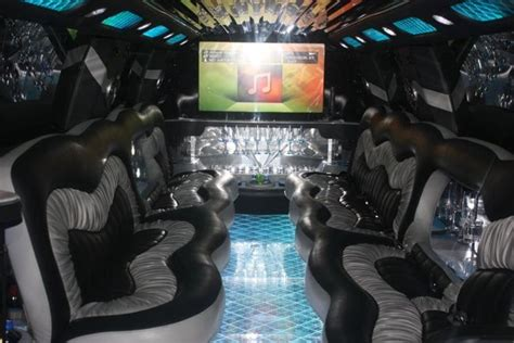 Rent A Limo For An Hour by Rent Cadillac Limo For Aed 650 Hour Unique Class Limo