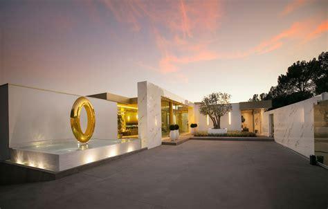 million giga mansion boom