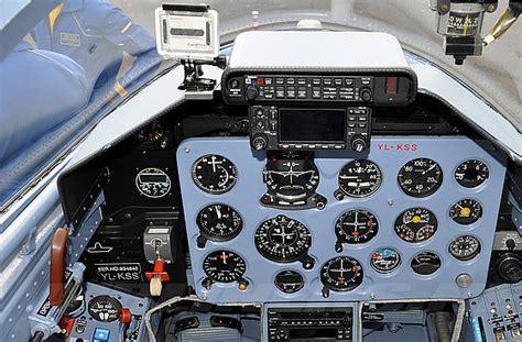 bapteme en avion de chasse avec les baltic bees vol en l39 albatros