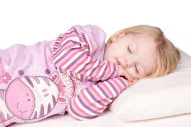 oreiller pour bebe dr 244 les de mums
