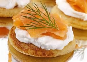 Canape A La Creme De Saumon by Blinis Au Saumon Fum 233 Recette Facile