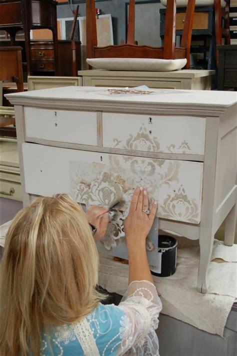 repeindre bureau bois comment repeindre un meuble une nouvelle apparence