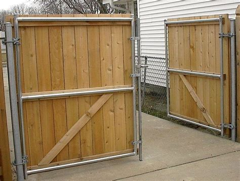 Use Chain Link Posts For Wood Driveway Gates