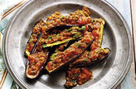 bangladeshi aubergine  courgette curry recipe goodtoknow