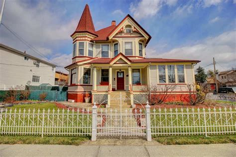 Stately Staten Island Victorian Hits The Market For .5m