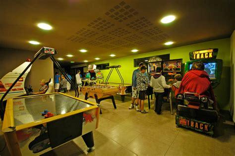 salle de jeux pour ado salle de jeux pour ado 28 images d 233 co salle de jeux pour ado la salle de jeux sur m6
