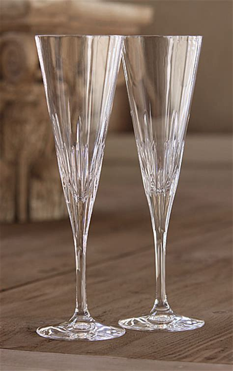 vera wang wedgwood duchesse toasting flutes pair
