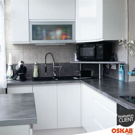 plan de cuisine moderne cuisine aménagée en l avec finition brillante