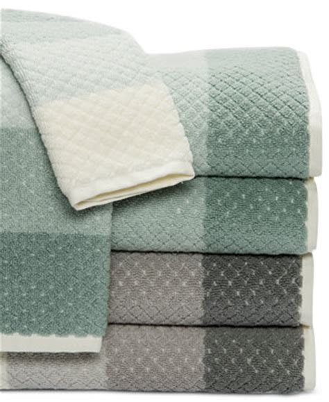 Caro Home Paloma Diamond Stripe Bath Towel Collection Bath Towels Bed & Bath Macy's