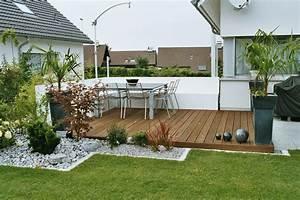 Garten Sichtschutz Holz : holz und stein im garten ~ Whattoseeinmadrid.com Haus und Dekorationen