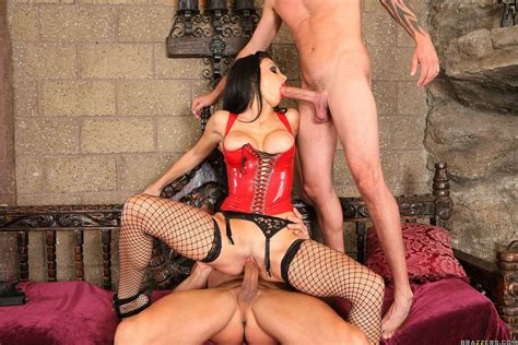 Naughty Vampire Aletta Ocean In Latex Outfit Fucking Two
