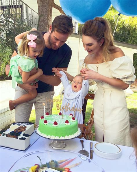 Armie Hammer, Elizabeth Chambers' Cutest Moments With 2 ...
