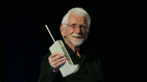 who created the cell phone mobile phone call was placed exactly 40 years ago